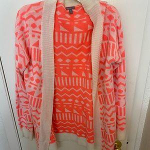 Women's Medium Pink Aztec Cardigan